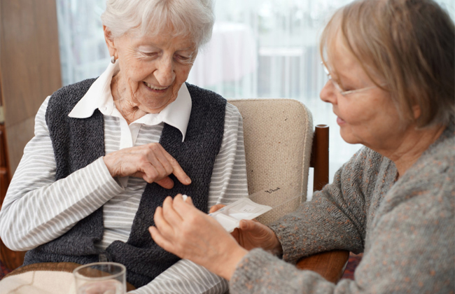 cambridge caregivers provides these tips for elder care workers in dallas to tackle communication issues by wearing masks 1